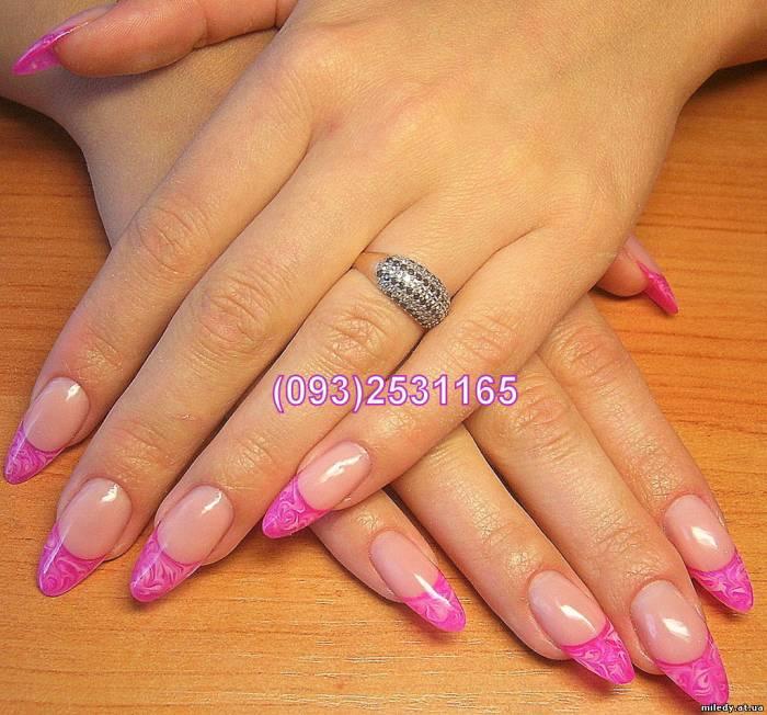 Ногти розовый с серебристым 30